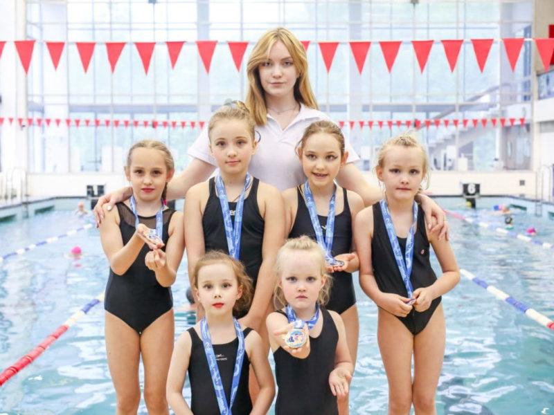 Синхронное плавание (с 8 до 12 лет)